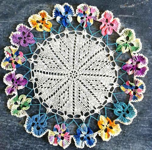 Maggie_Weldon_Crochet_Pattern_Pansy_Doily_500