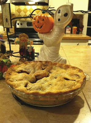 Maggie_Weldon_Crochet_Apple_Pie_Recipe_500