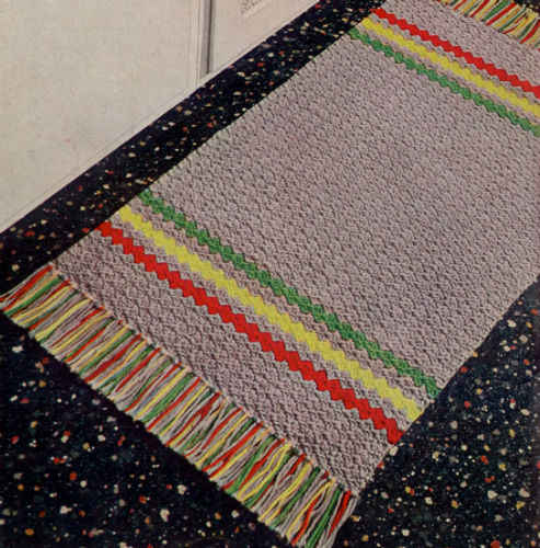 Gray Striped Rug ? Free Crochet Pattern