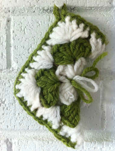 Mini Granny Square Christmas Stocking ? Free Crochet Pattern