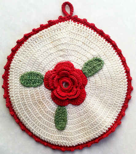 Round Rose Potholder – Free Crochet Pattern