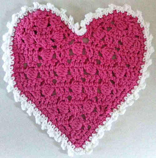FD085_Maggie_Weldon_Crochet_Fancy-Heart-dishcloth_edited-1