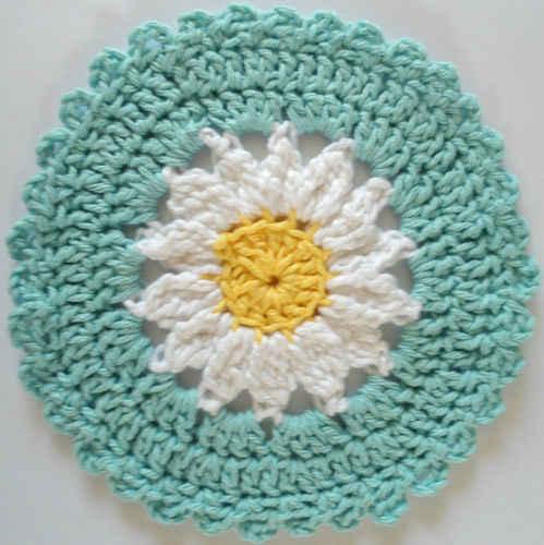 Free Crochet Daisy Coaster Pattern : #245 Daisy Crochet Dishcloth ? Maggie Weldon Maggies Crochet