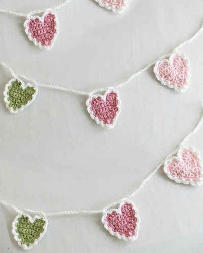 String Crochet Patterns : Free Crochet Pattern String of Hearts #65