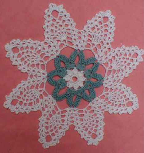 Crochet-Maggie-Weldon-Pineapple-Blossoms-Doily-PA091
