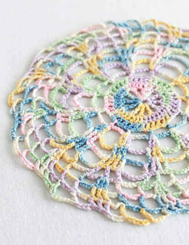 Vintage crochet pattern, Victorian ruffled doily.