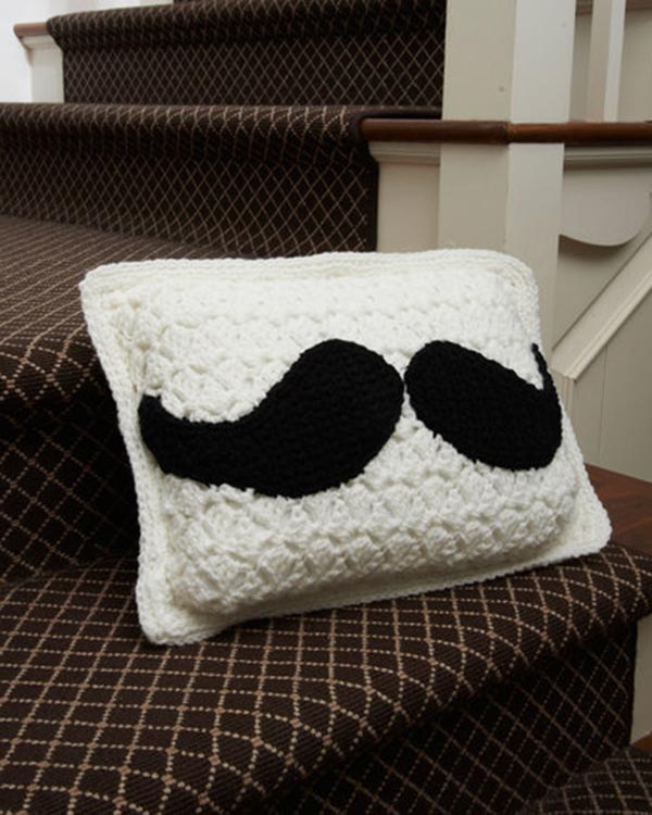 LW3686-Mustache-Pillow-optw