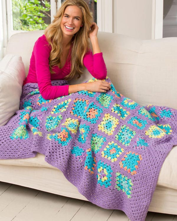 LW3848-Cheerful-Granny-Square-Throw-optw
