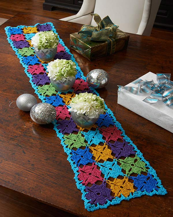 Free holiday party table runner crochet pattern from redheart ccuart Choice Image