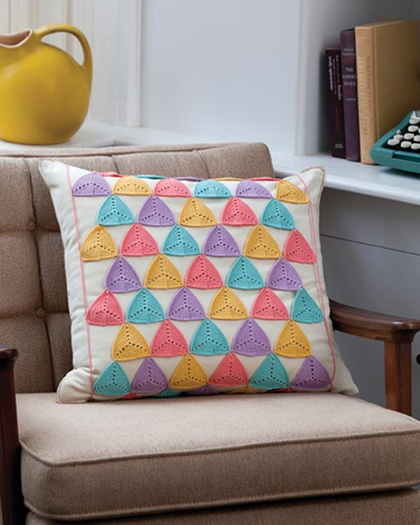 LC2803-Triangle-Pillow-Wrap-optw
