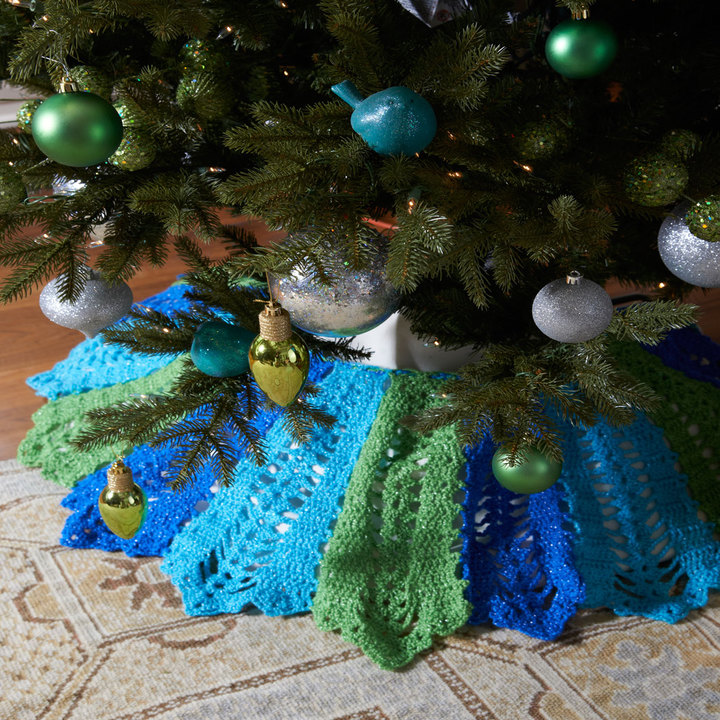 LW3635-Holiday-Tree-Skirt
