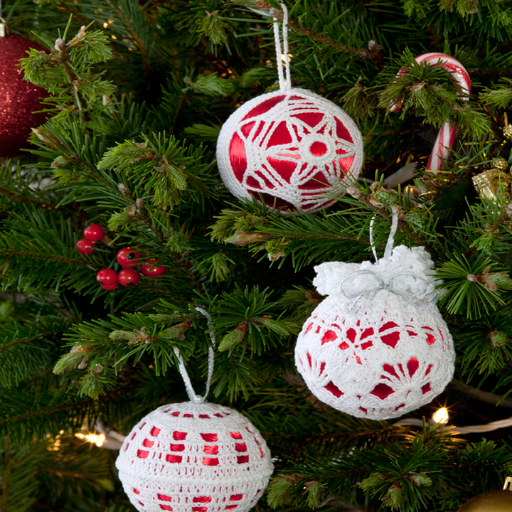 Crochet Patterns Xmas Tree Decorations : Free Christmas Tree Decor Crochet Pattern from RedHeart.com