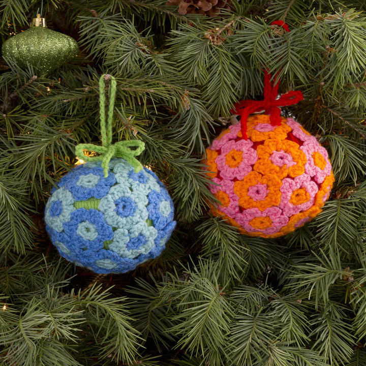 LW3153-Flower-Ball-Ornament