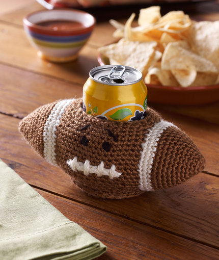 LW4176-Football-Can-Cozy