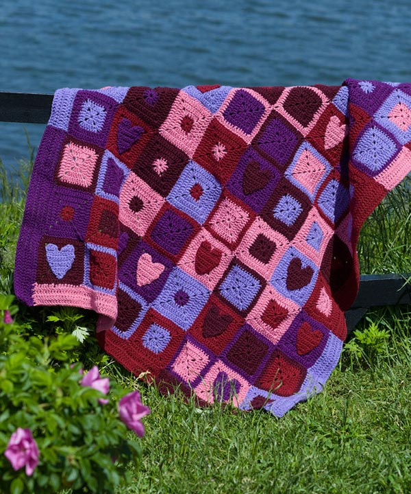 WR1658-Happy-Hearts-Afghan