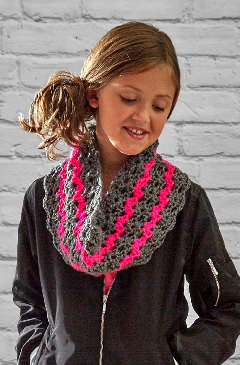 Free Dazzling Kids Cowl Crochet Pattern From Redheart
