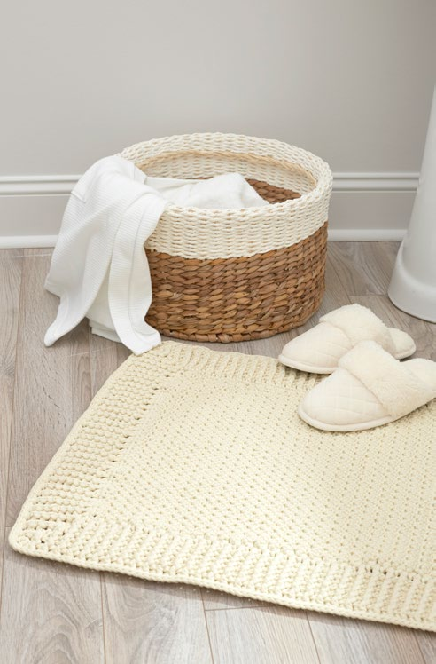 Free Home Spa Bath Mat Crochet Pattern from www.RedHeart.com